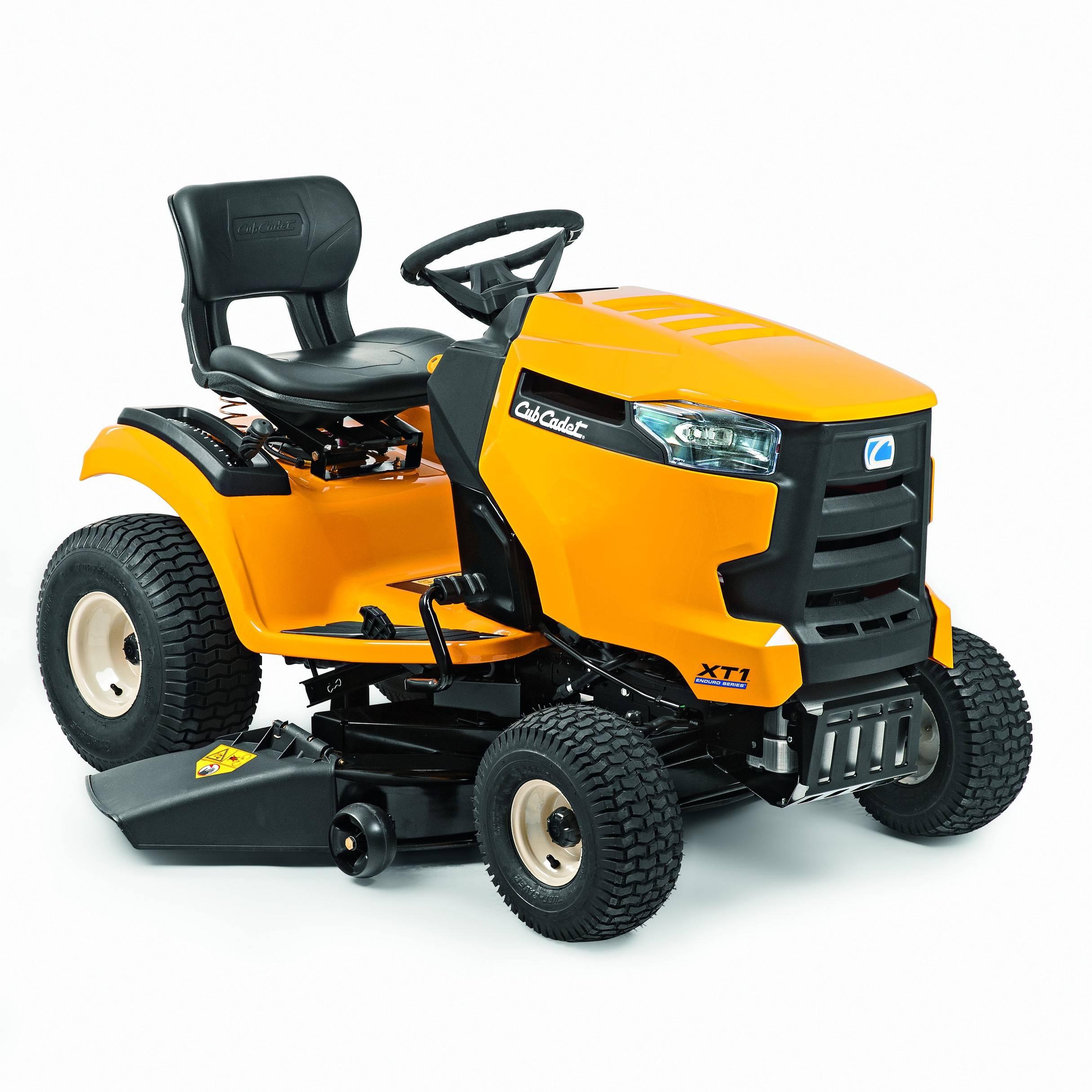 Travní traktor se bočním výhozem Cub Cadet XT1 OS96