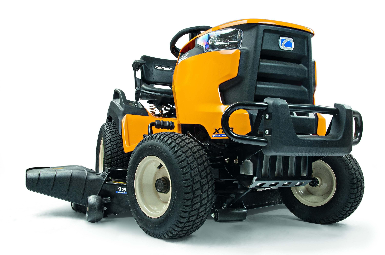 Travní traktor se bočním výhozem Cub Cadet XT3 QS137