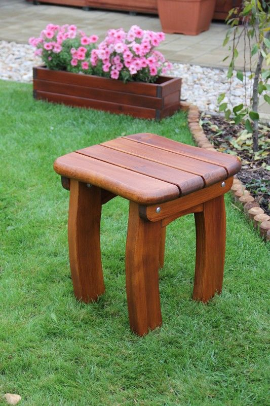 Zahradní dřevěná stolička Liška LORIT s povrchovou úpravou
