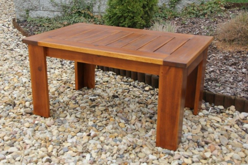 Zahradní dřevěný stolek kávový MEVAN s povrchovou úpravou
